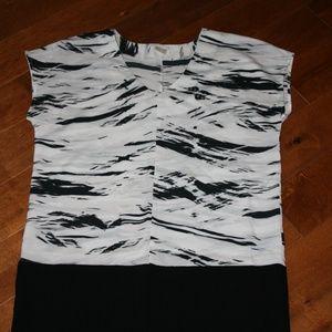 Oversized Dalia Black & White Top